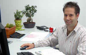 Daniel Döbele Produktionsleiter Telefon: 061/9020400 E-Mail: dd@h2d-electronic.ch
